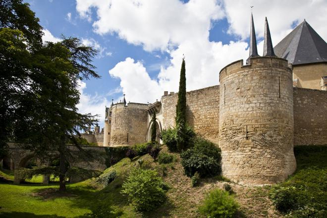 Montreuil_château et collégiale_©J.-P. Berlose