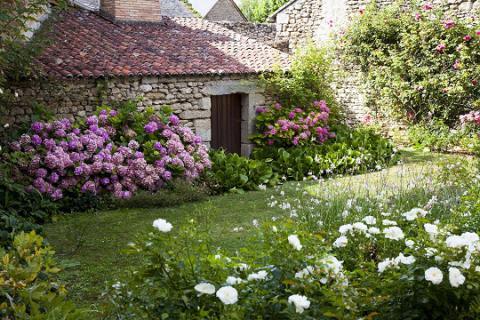Aubigné_jardin_© J.-P. Berlose