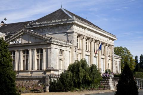 Baugé_tribunal <sup>©</sup> J.-P. Berlose