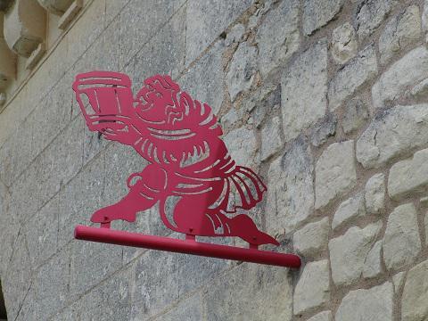Le Puy_moine buveur_figure des viticulteurs <sup>©</sup>Commune du Puy-Notre-Dame