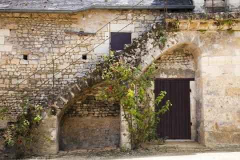 Montreuil_caveau_©J.-P. Berlose