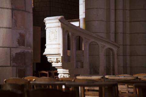 Luché-Pringé_ intérieur église <sup>©</sup> J.-P. Berlose