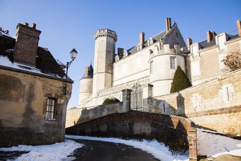 montmirail_chateau_et_rue_credit_j.-p_berlose